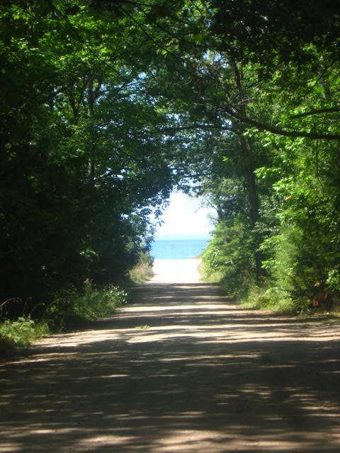 road-to-lake-michigan